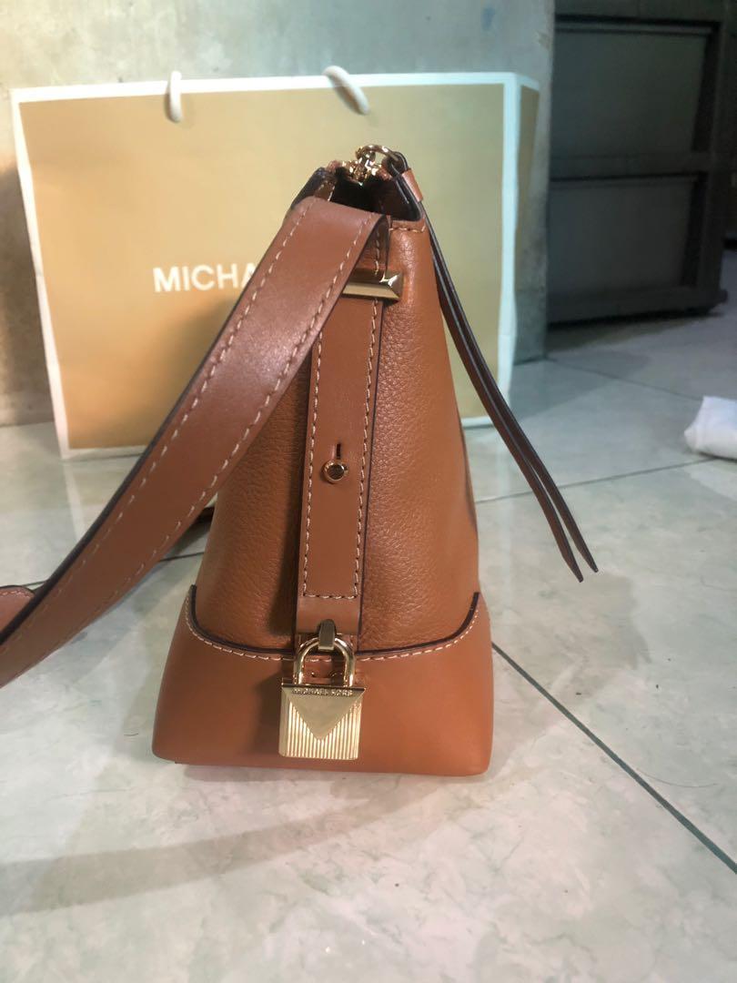 Michael Kors Bag  Crosby Medium Light Brown - Not Fossil, Charles & Keith, Longchamp, Gucci, Guess