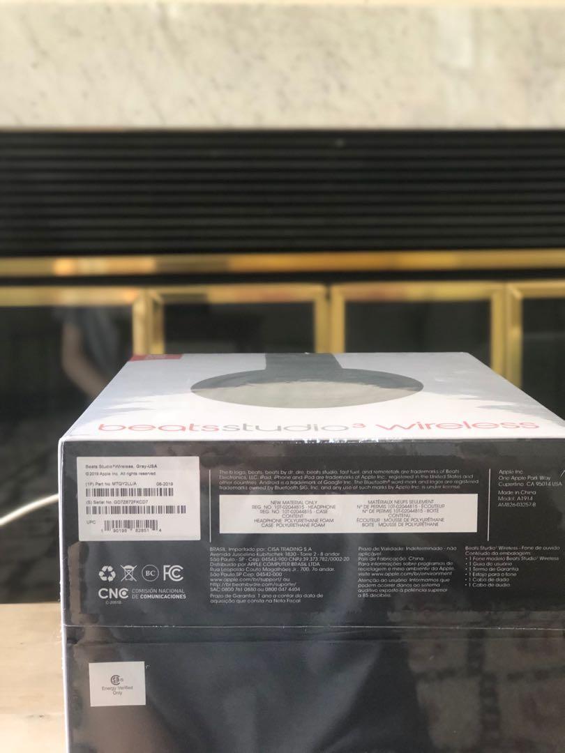 Never used brand new grey beats studio 3 wireless headphones