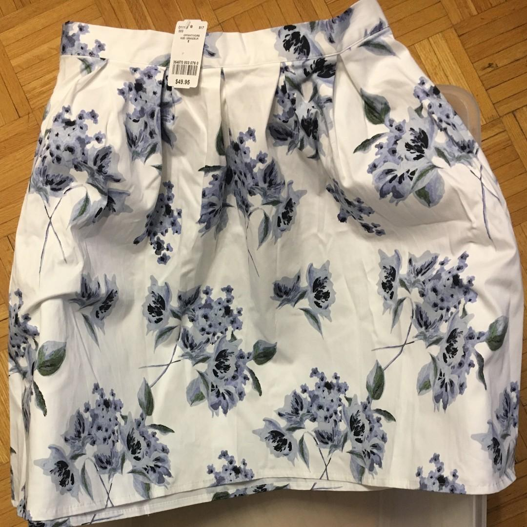 NEW Skirt from Le chateau. Size 8 (Original Price $49)