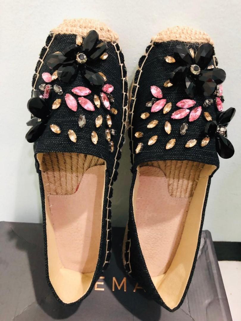 Sepatu Skema