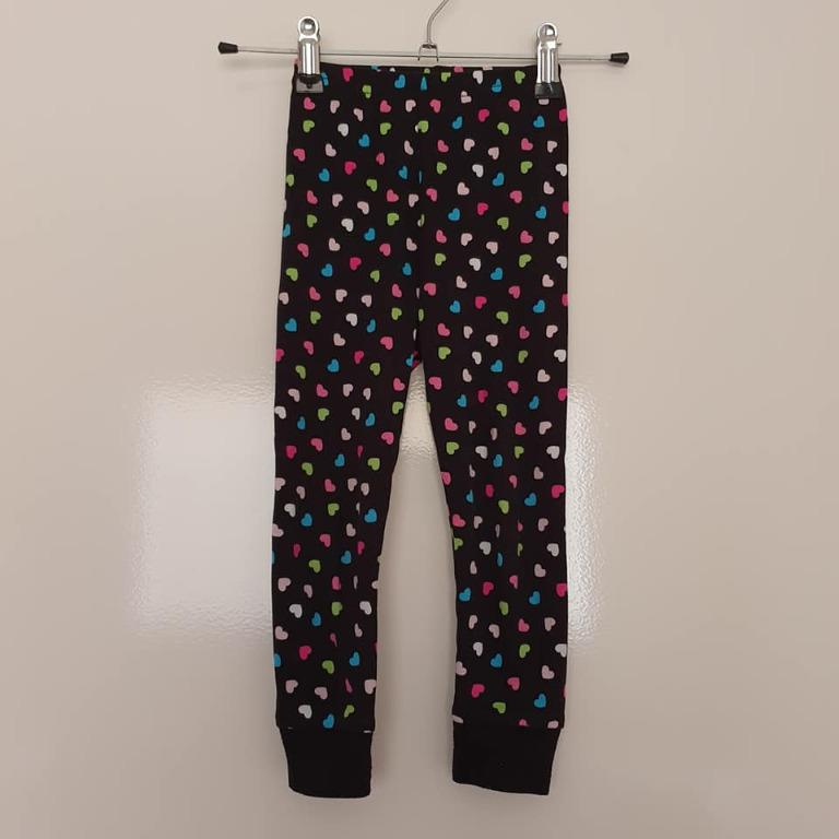 Size 4, slim fit, more like a 3 Guc lightweight Kitty pjs set