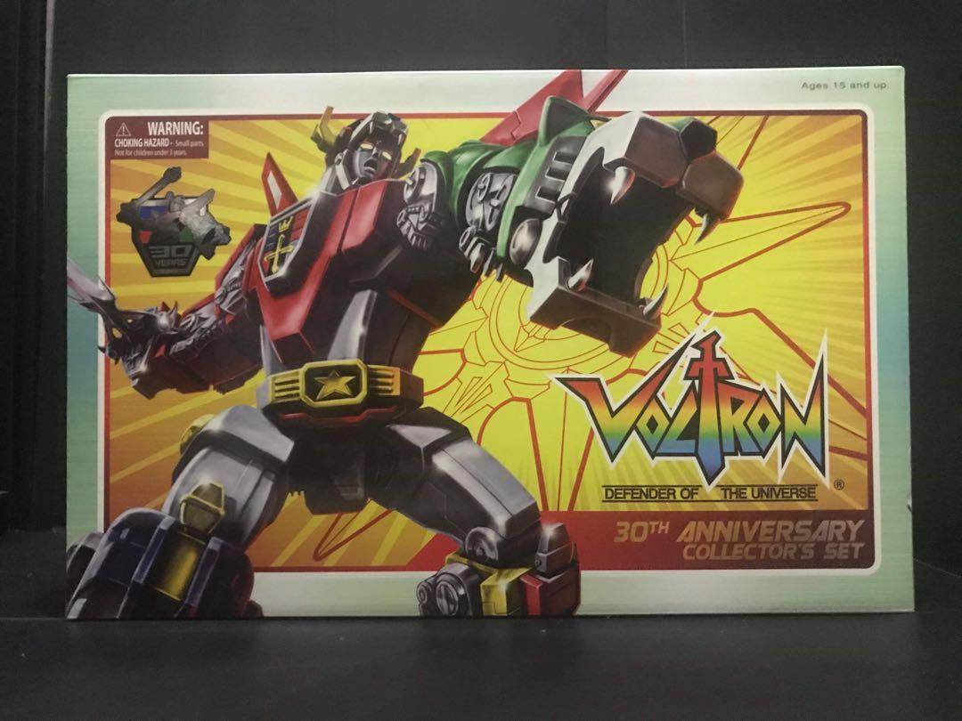 """Toynami 30th Anniversary VOLTRON Collector/'s 11/"""" Figure Set Light-up eyes NEW!"""
