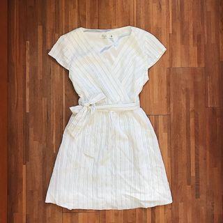 氣質綁帶條紋白色洋裝