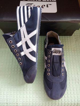 Sepatu Onitsuka Paraty Navy