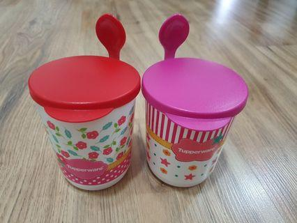 Tupperware mug with cover and spoon