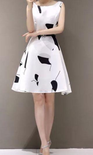 全新 白色連身裙 A字裙超顯瘦顯腰身~ #五折清衣櫃