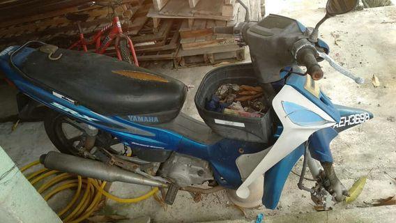 Yamaha srx 110