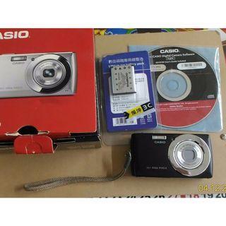 二手CASIO數位相機QV-R100(黑色)