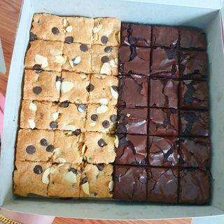 Congo bars almond + plain brownies premium