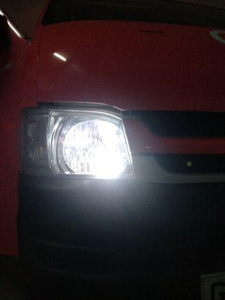 Hiace nv350 car pole light led blub t10 White