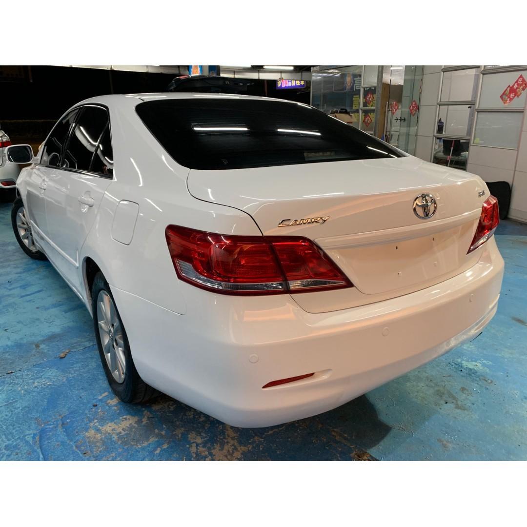 正2011年 小改款Toyota Camry 2.4 星燦白 只賣25.8萬~