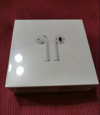 Apple Airpods 2 w/ charging case (bnib sealed)
