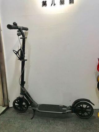 迪卡儂滑板車 Because it is not an electric car
