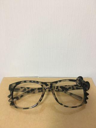 Hello Kitty 豹紋無框眼鏡