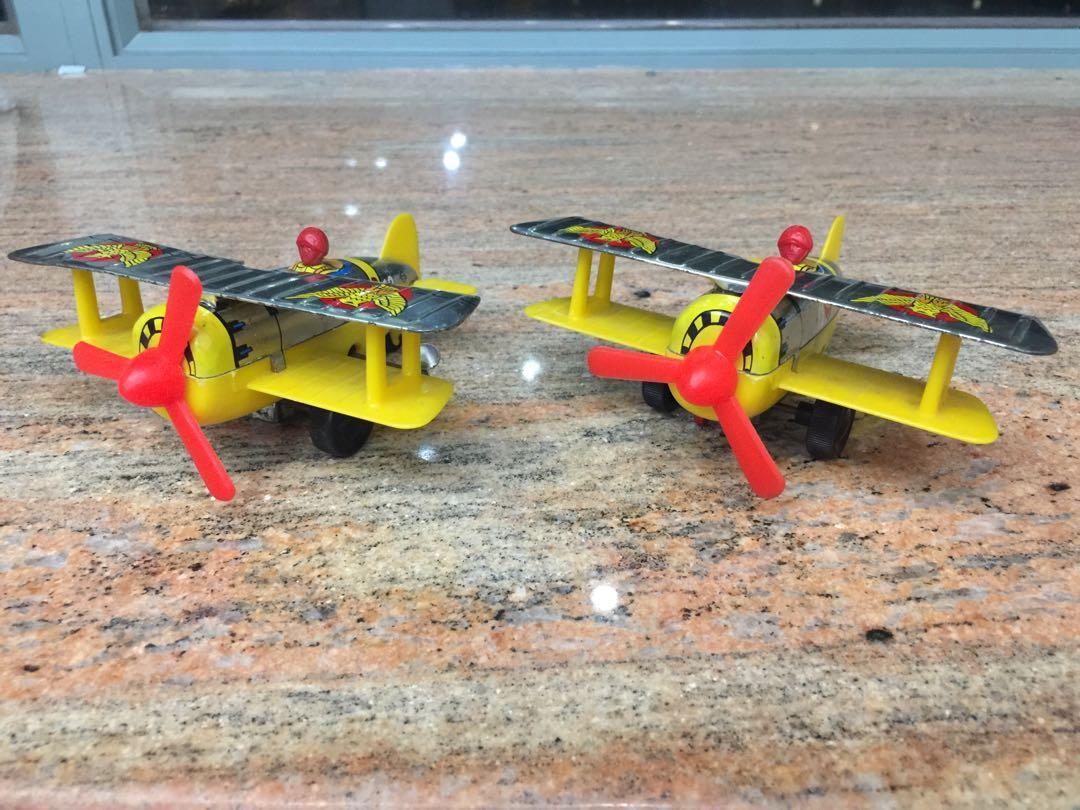 當時物☆☆日本製造兩架旋轉螺旋槳雙翼戰鬥機!!