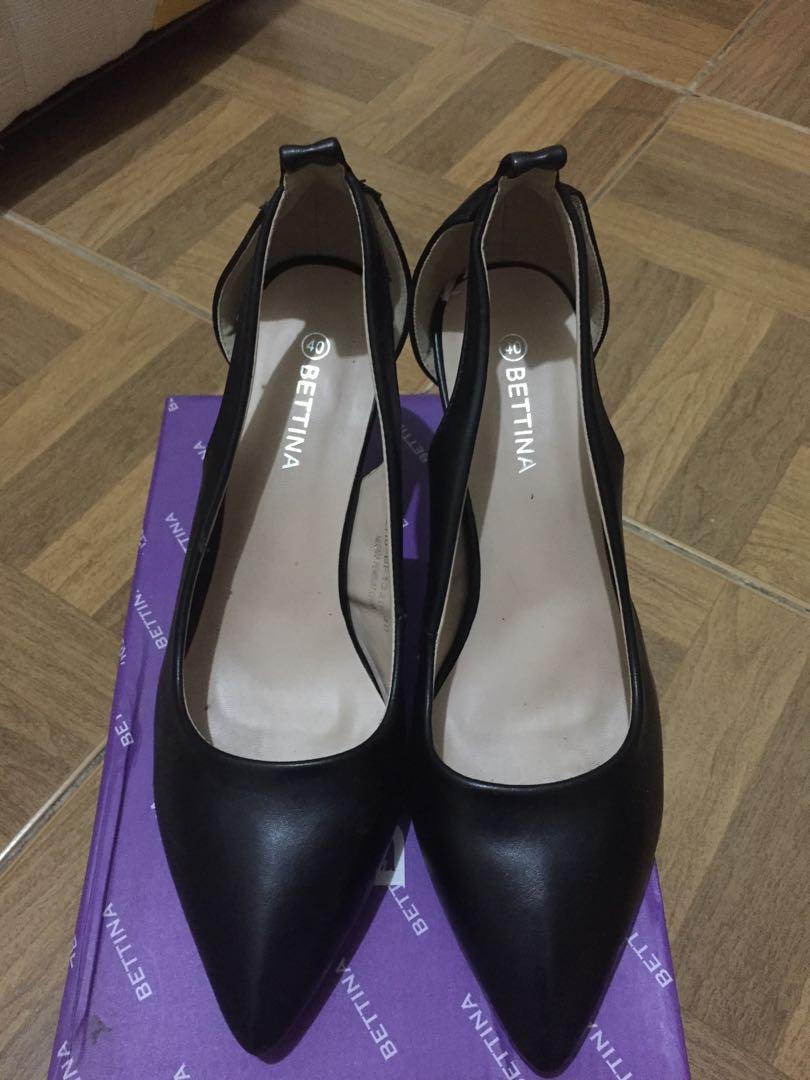 Black Heels By Bettina Women S Fashion Women S Shoes On