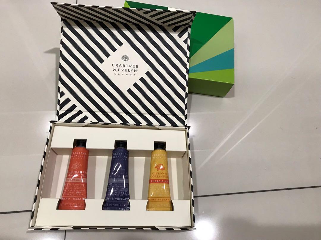 Crabtree & Evelyn Gift Set (Hand Cream)