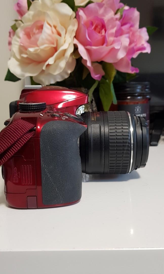 Nikon D D3300 24.2MP Digital DSLR Camera with AF-S DX VR II 18-55mm Lens Kit