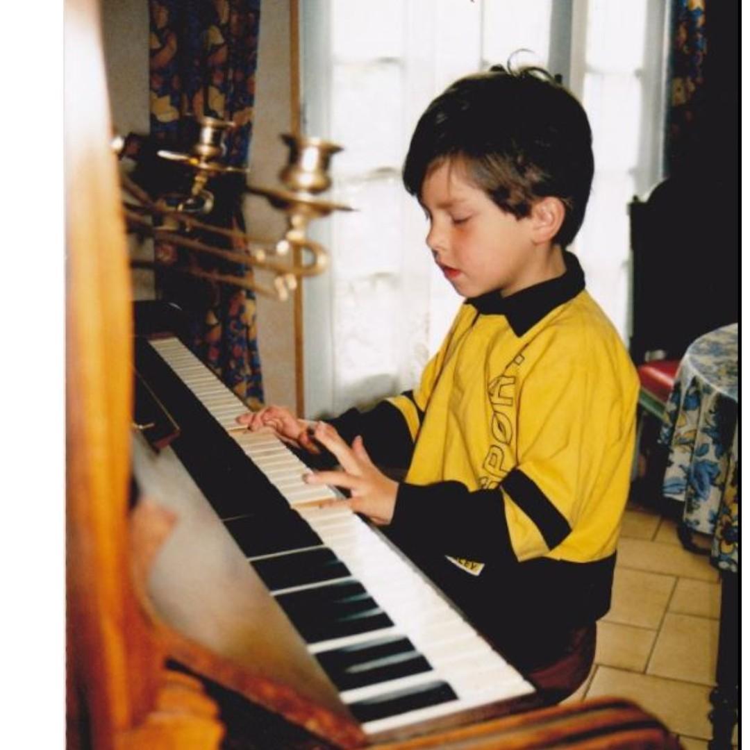 Piano lesson HK