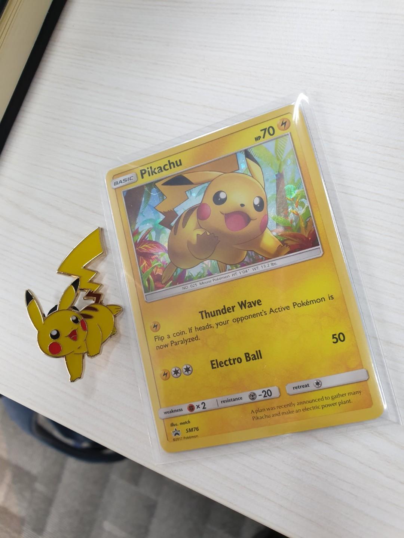 Pokemon PIKACHU HOLO PROMO Card SM76+PIKACHU PIN SHINING LEGENDS MINT