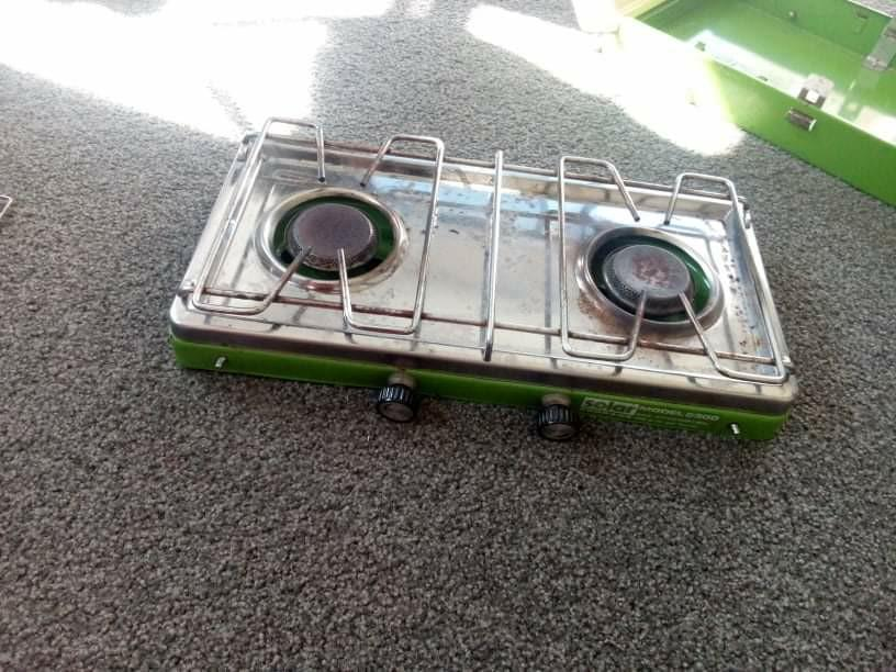 Two element gas cooker