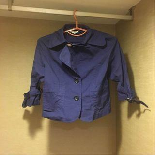 《SO NICE 棉料 短袖 鈕扣 口袋 素面 深藍色 輕薄小外套》