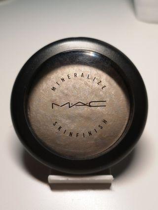 MAC - Mineralize Skin Finish - Lightscapade