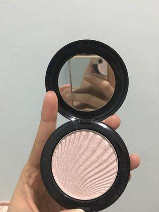 Highlighter Focallure 04 Blossom #bagibagi