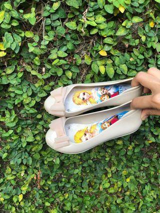 Sepatu Jelly Elsa