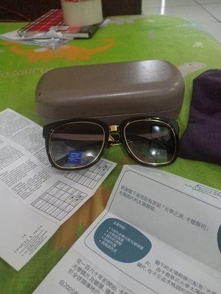 Kacamata Charles n keith original