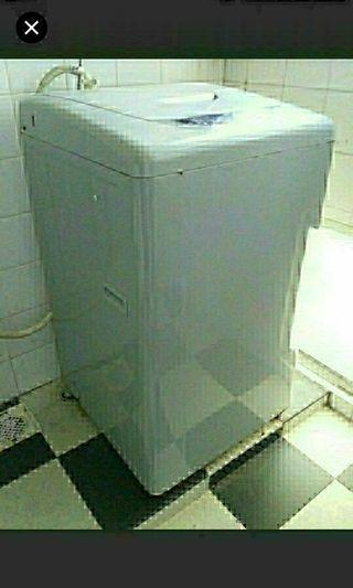 Furniture National washing machine  Still in working condition but occasionally  leaks some water during operation  Am moving house hence selling cheap  Self pick up jalan tenaga 658