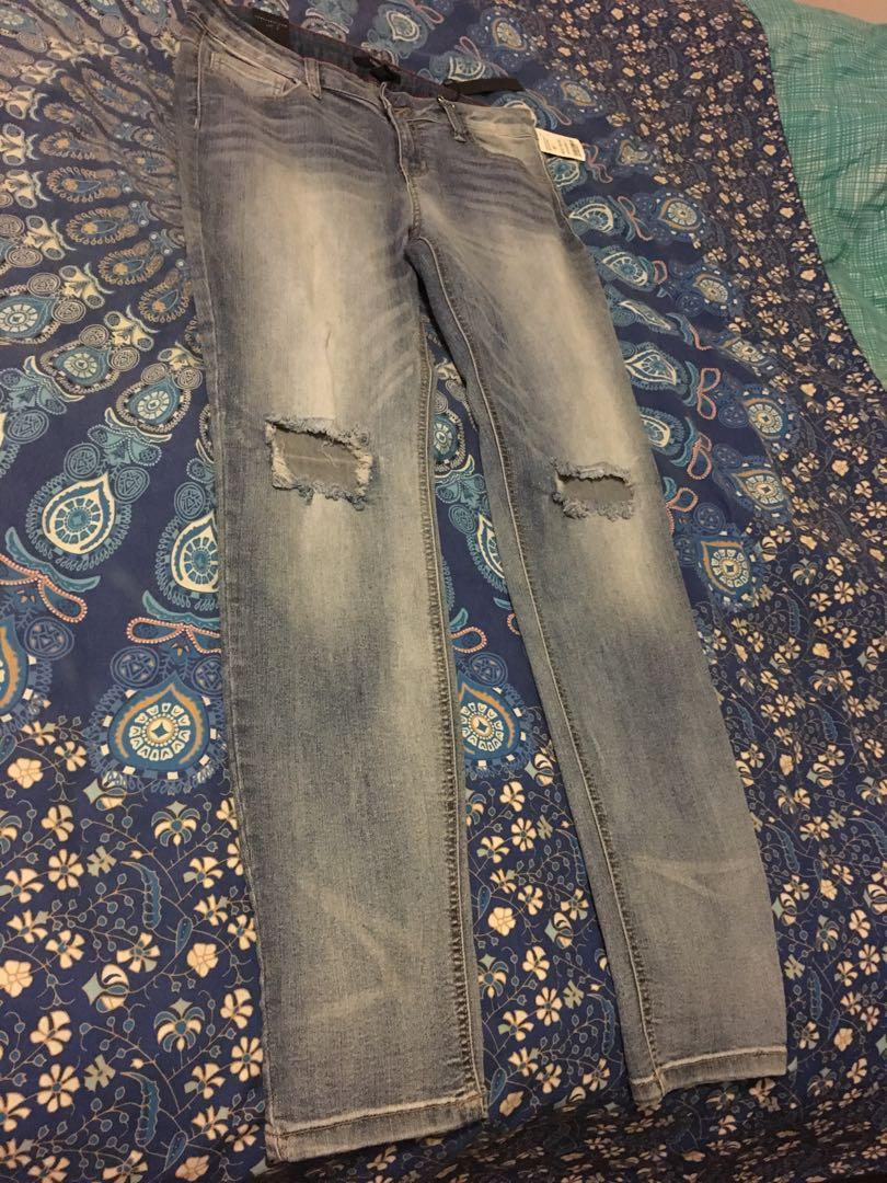 Bnwt Forever21 Ripped Knee High Waisted Jeans Size 30 RRP $59.95