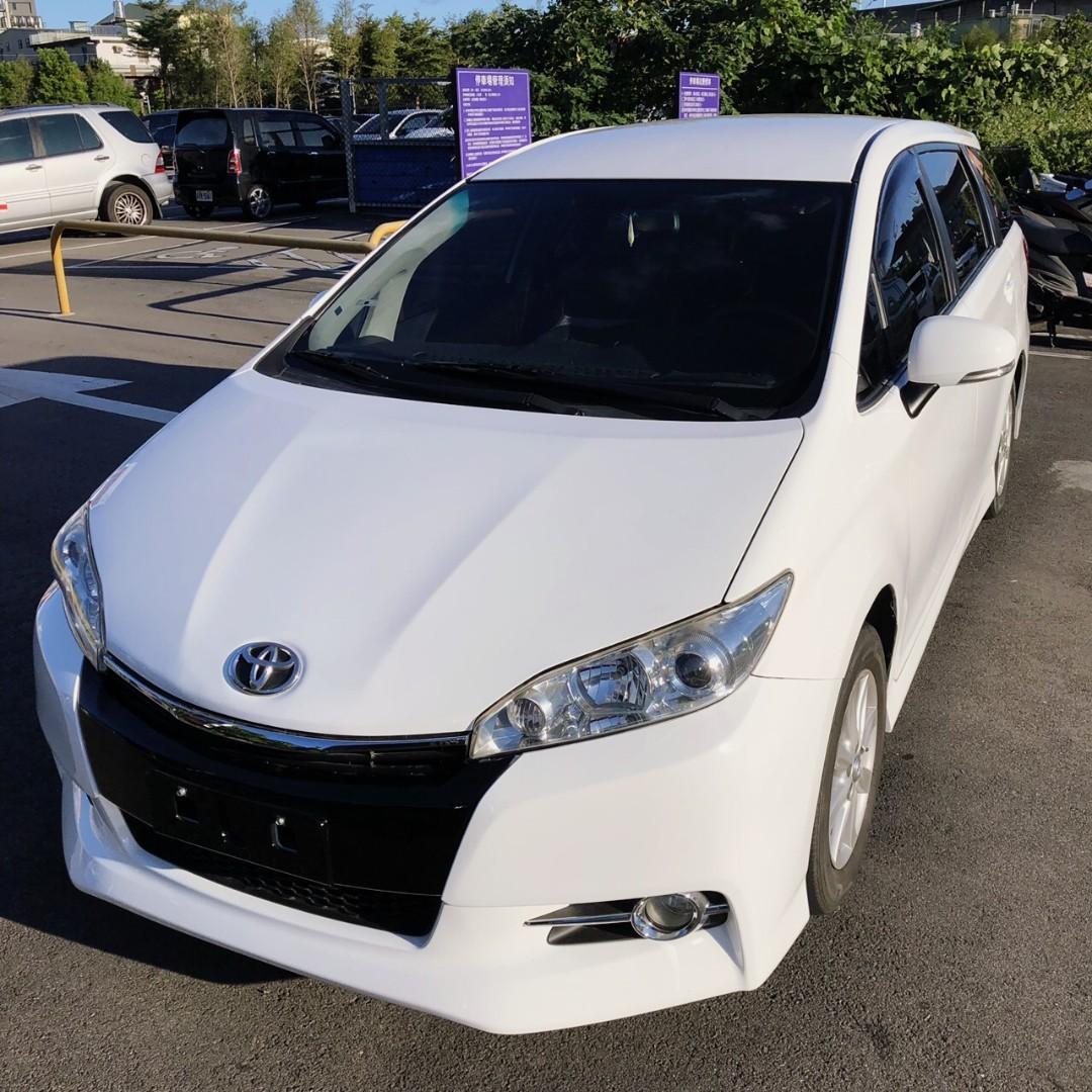 最新款白色Toyota Wish 2.0卡夢皮椅特仕版