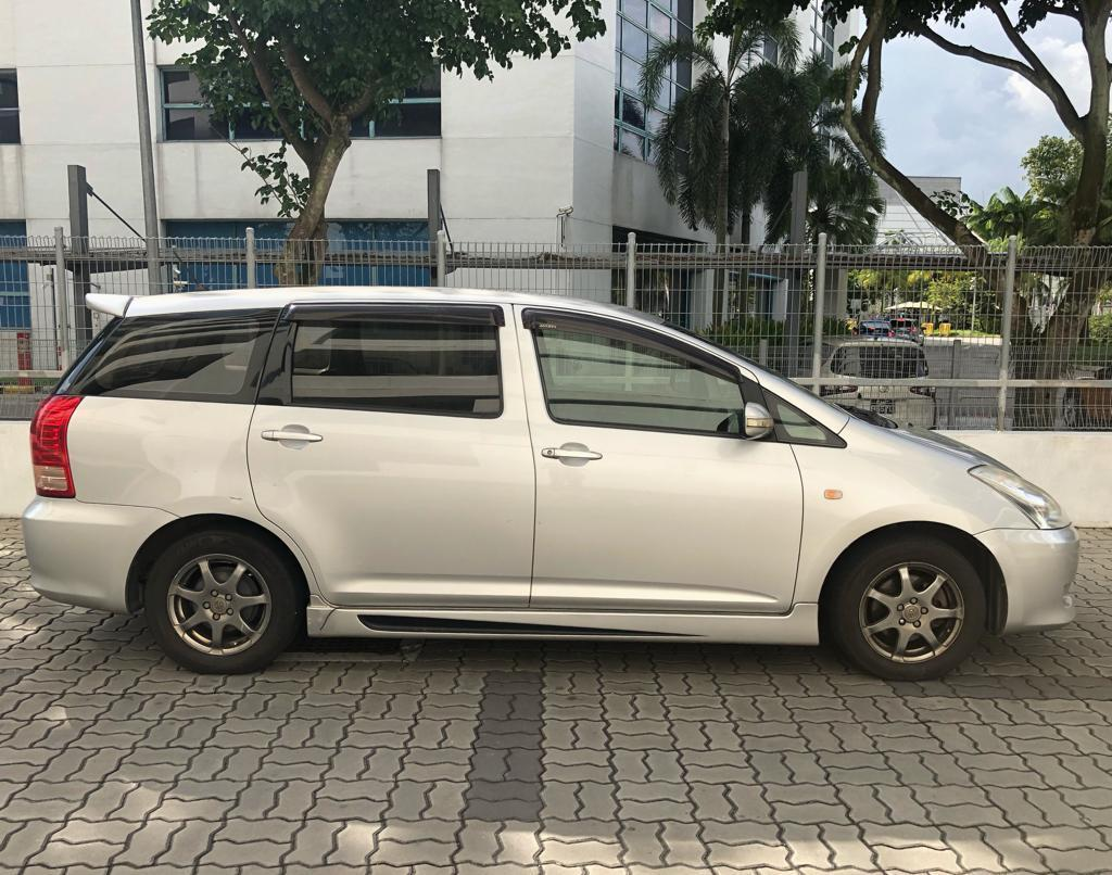 Toyota Wish for Gojek Grab Ryde Personal use cheapest rental