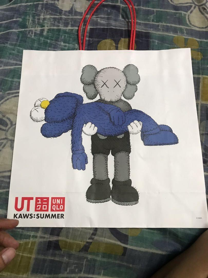 Uniqlo x kaws paper bag
