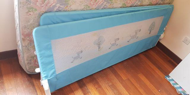 Bed side railing/protector