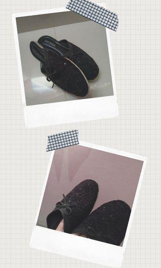 Sepatu nevada hitam (slip on black)