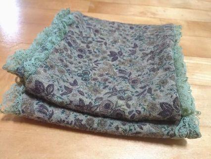 【銅板價出清】復古碎花圍巾