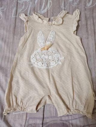 REDUCED (9m) Baby jumpsuit/romper