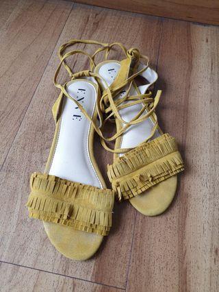 Flat strappy sandal mustard gladiator