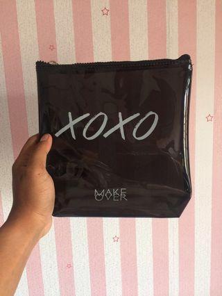 Xoxo make up bag by make over