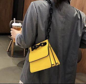 Yellow croco chain bag @stylecart.id