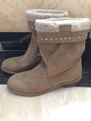 Stradivarius Winter Boots