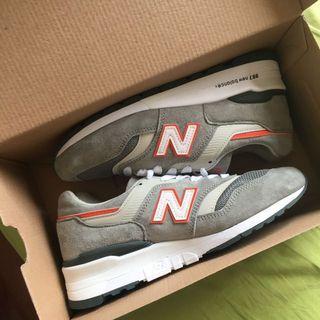 全新!New Balance 997 復古 灰橘鞋款
