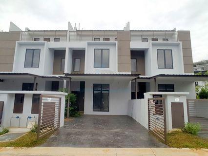 Triple Storey Terrace Bayan Parkhomes Batang Kali Freehold