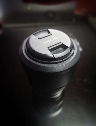 sony 28-70mm f3.5-5.6 fe oss lens