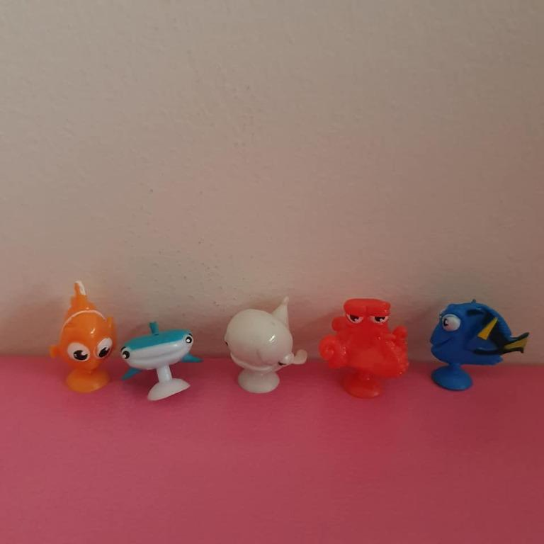 5x New Finding Dory character squishy pop / stickeez