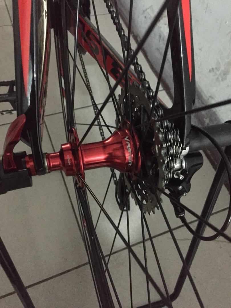 Aster galaxy full carbon  hub already upgrade racing type 105 groupset 22 speed loud sound hub.