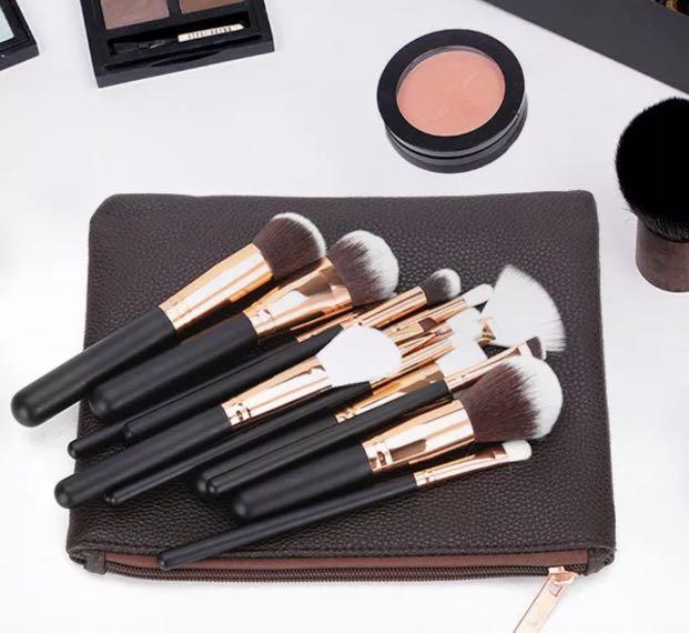 AU 15PCS Pro Cosmetic Powder Eyeshadow Complete Face Makeup Brush Bag Set