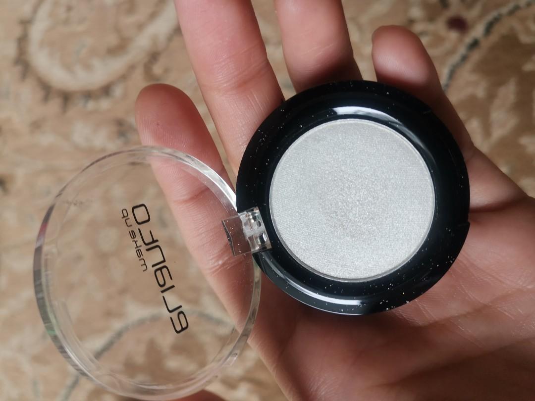 Elianto shimmer eyeshadow